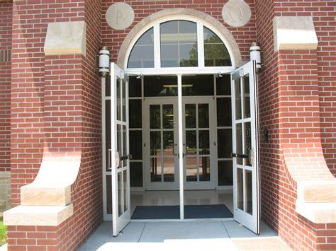 open the door what s not wrong