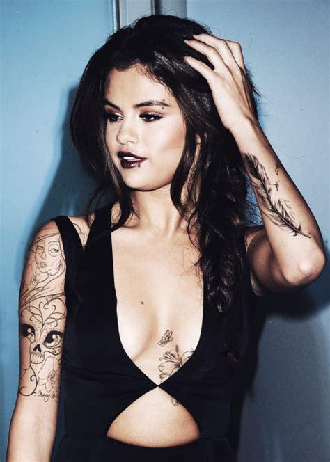does selena gomez have a tattoo selena gomez tatoo