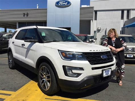 boulevard ford lewes 2017 ford explorer in lewes hd friendly ford exec salutes popularity of 2017 explorer