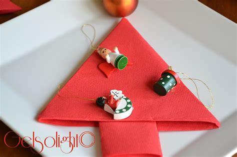 Come Piegare I Tovaglioli Di Carta by Piegare I Tovaglioli Per Natale Con Videotutorial