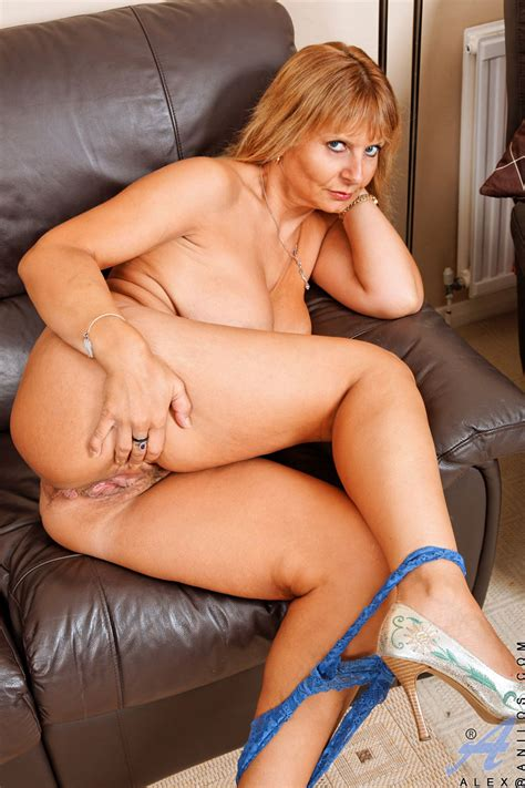 busty anilos milf alex In High Heels Free cougar sex