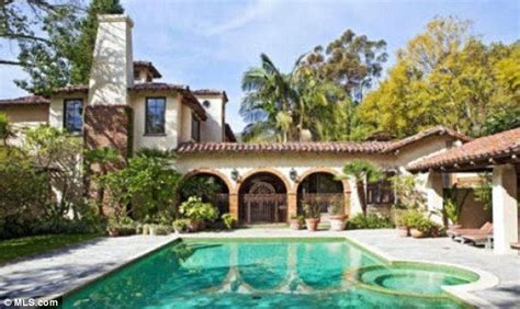 mel gibson finally sells malibu mansion he shared with
