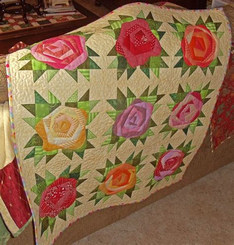 Roses Quilt Pattern by 350 Best Images About Flower Blocks On Mini