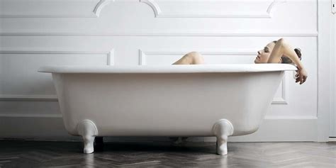 how to buy a bathtub your guide to finding the best tub