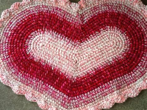 heart pattern rugs 20 excellent crochet patterns and exles on etsy