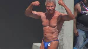 am i to at sixty to a beachy look hairstyle jim arrington 80 year bodybuilder s posing routine at