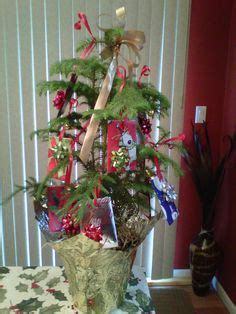 Gift Card Christmas Tree Ideas - gift card trees and gift card wreaths on pinterest gift cards gift