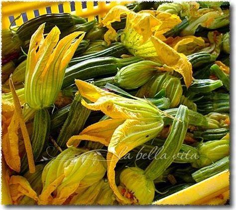 fiori di zucchini fritti pastella fried zucchini blossoms fiori di zucchini fritti in