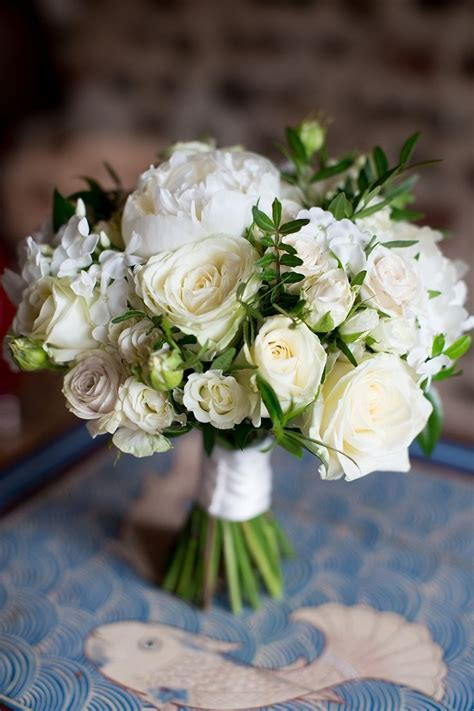 17 Best ideas about White Rose Bouquet on Pinterest