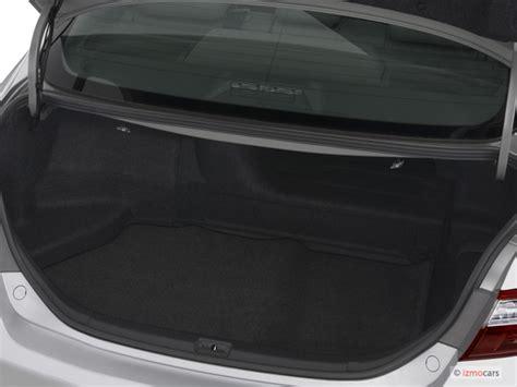 image  toyota camry hybrid  door sedan natl trunk size    type gif posted