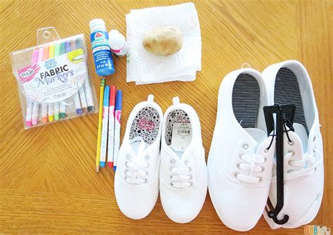 how to paint shoes memorial day craft diy patriotic canvas shoes gublife