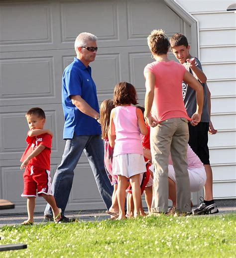 kate gosselin house collin gosselin in steve neild brings his family to kate