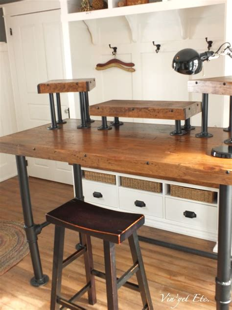 Pipe Desk Diy 25 Best Ideas About Pipe Desk On Industrial Pipe Desk Pipe Table And Diy Pipe