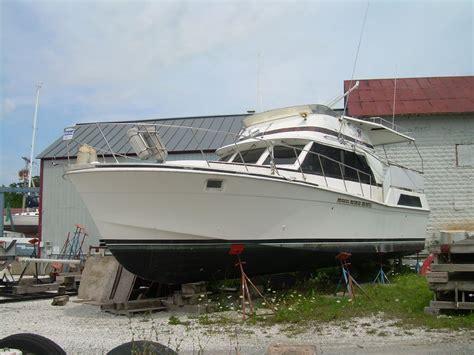 42 foot cruiser houseboat 1981 uniflite dcmy power boat for sale www yachtworld com