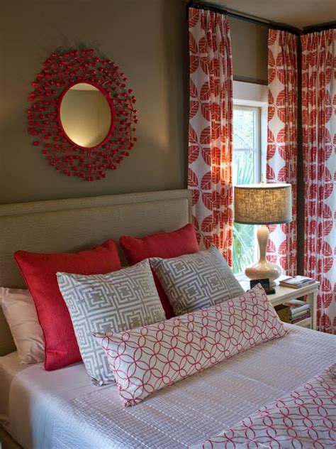 guest bedroom smartly designed for maximum relaxation hgtv guest bedroom pictures hgtv smart home 2013