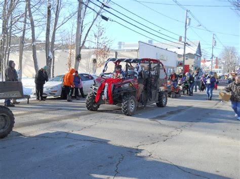 decorate rzr 1000 for christmas parade 1000 images about snowmobiles fourwheelers on deere polaris rzr accessories