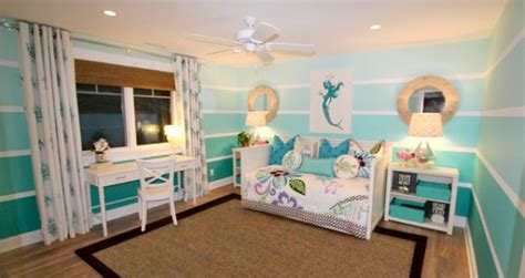 ocean bedroom ideas use the ombre technique to create stunning and colorful