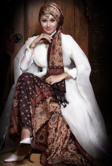 Dres Bali Pelangi 2 how to wear dian pelangi fashion javanese beautiful and s fashion