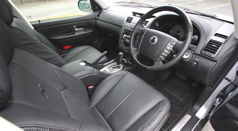 Ssangyong Kyron Interior by Ssangyong Kyron 2 0 S 2wd 2008 Review By Car Magazine