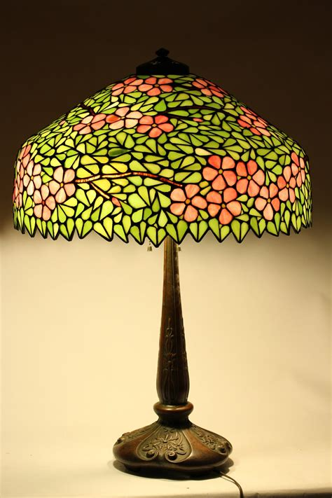 leaded glass l shade igavel auctions american leaded glass shade and bronze