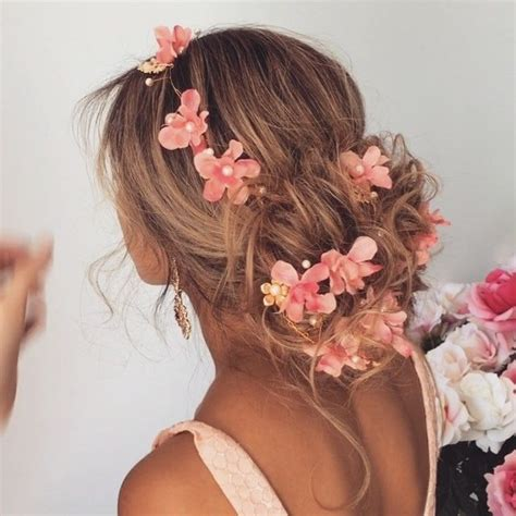 hairstyles for luau party the 25 best luau hair ideas on pinterest tropical party