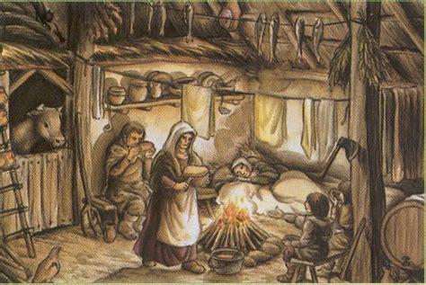 casas de la edad media el de quot acebedo quot costumbres y feudalismo en la edad