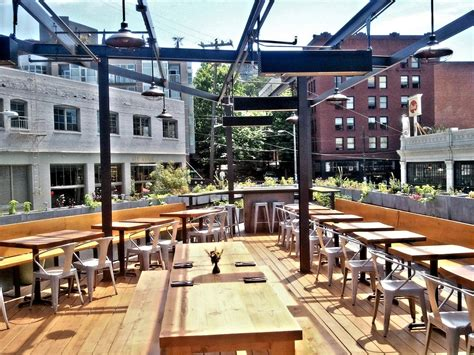 Roof Top Bars In Dc by 14 Best Rooftop Bars In Seattle Offer Drinks In The D