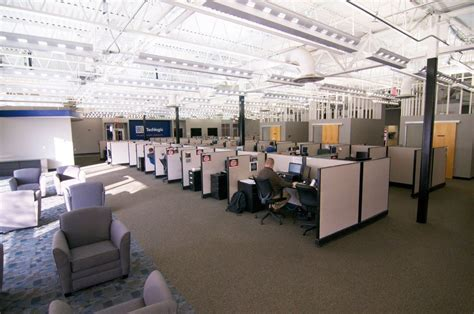 Service Desk Officer Logixcenter 1 Service Desk Bell Techlogix Office Photo Glassdoor Co In