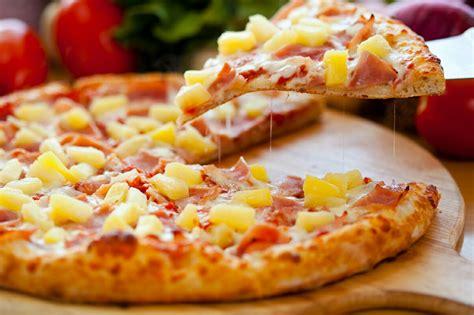 membuat pizza mie sederhana resep membuat pizza itali ala rumahan gedubar com