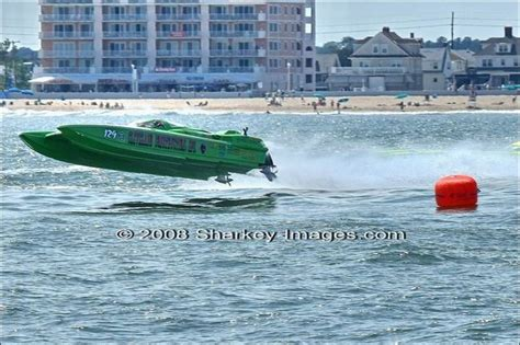 cleveland construction race boat smith drives sikorski takes care of attitude toledo blade