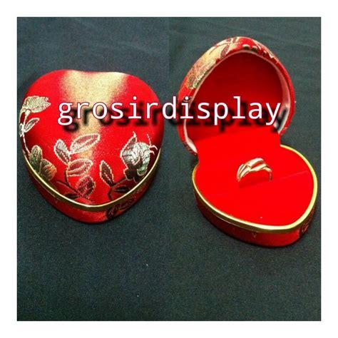 Display Anting Gantungan Anting Mahar Perhiasan Bludru Kotak Termurah kotak display cincin besar bentuk motif bunga perlengkapan seserahan lamaran sangjit