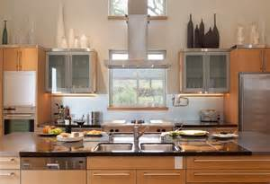 decorating above white kitchen cabinets decolover net 10 ideas for decorating above kitchen cabinets