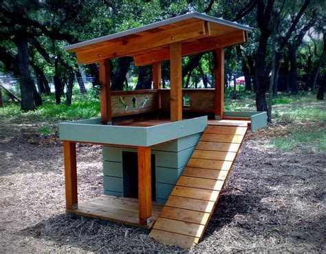 homemade dog house designs 25 best ideas about dog houses on pinterest pet houses cool dog houses and dog beds