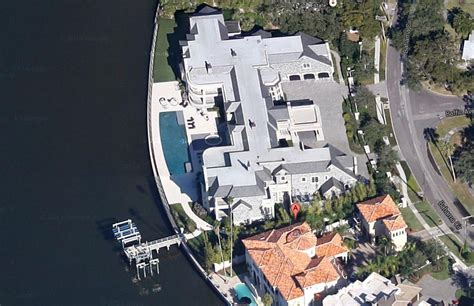 derek jeter can kick back in ta mansion after 2014
