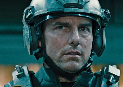 groundhog day tom cruise edge of tomorrow starring tom cruise and emily blunt