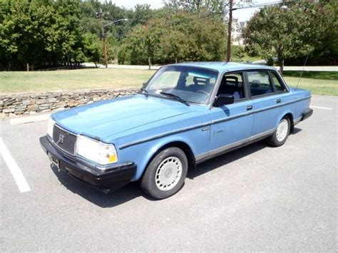 sell   volvo  wagon  miles california car  winters manual standard