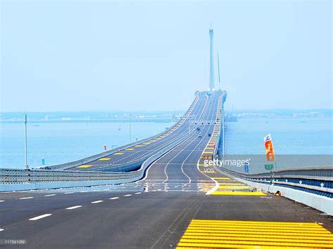 qingdao bridge qingdao jiaozhou bay bridge passes the construction
