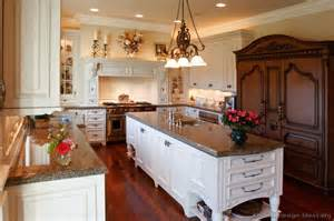 Antique Look Kitchen Cabinets Antique Kitchens Pictures And Design Ideas
