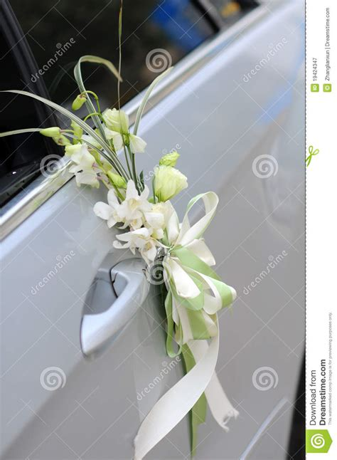 wedding car decorations with flower bouquet pictures wedding car flowers royalty free stock photography image 19424347