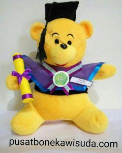 Boneka Wisuda Winnie The Pooh Hadiah Wisuda Boneka Wisuda Pooh jual souvenir wisuda murah terbesar dan terlengkap jual