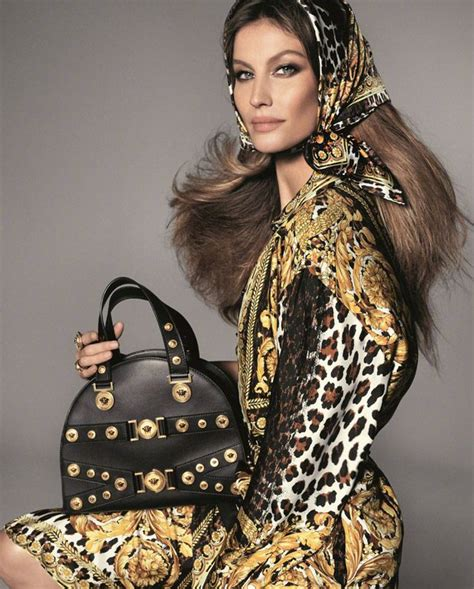 handbags a story legendary designs from azzedine alaã a to yves laurent books look supermodels for versace summer 2018