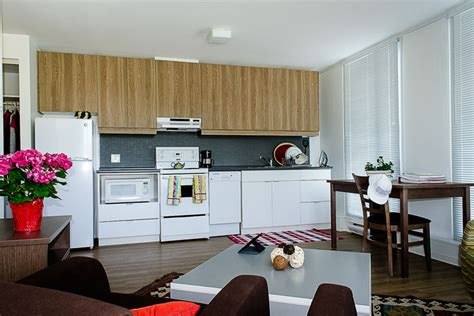 Vancouver Kitchen Cabinets by Two Bedroom Suite