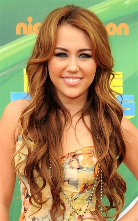 hannah montan hairstyles long loose curly hairstyle miley cyrus miley cyrus