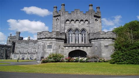beautiful castles top 10 beautiful castles built around the world