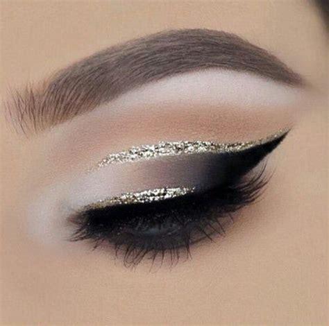 Eye Shadow Dan Blush On Sariayu gold cut crease black smokey eye make me ps and black