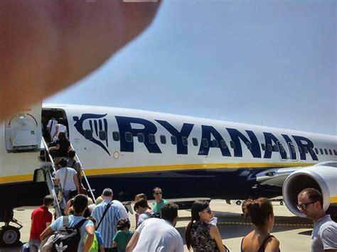 aerei ryanair interni interno aereo foto di ryanair tripadvisor