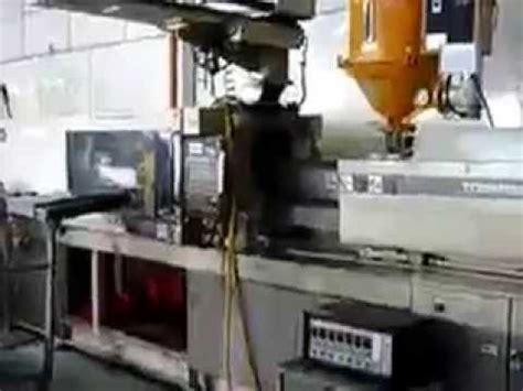 Mesin Molding Plastik plastic injection 2 mesin suntikan plastik