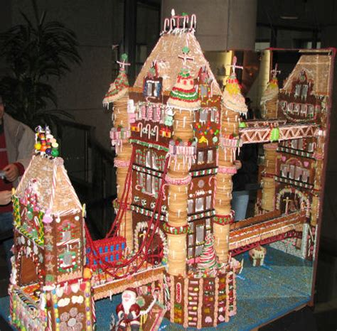 cool gingerbread houses 10 clever gingerbread houses pictures designs