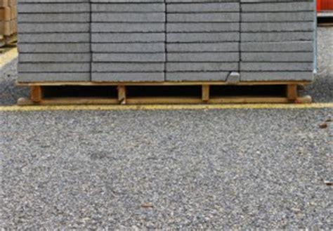 wer verlegt terrassenplatten terrassenplatten auf splitt verlegen 187 eine anleitung