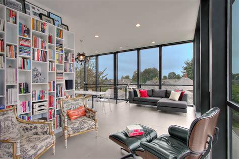 home design on a budget surrey 客厅书架 1146493 设计本装修效果图